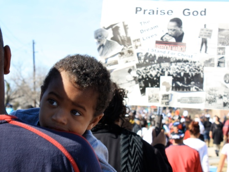 child at mlk march