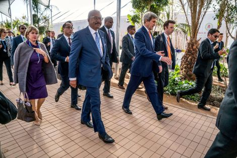 secretary_kerry_and_ambassador_bush_arrive_at_cop22_in_marrakech_30276796984